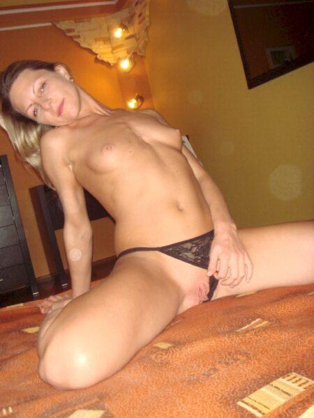 Femme infidèle réellement sexy cherche un mec pudique